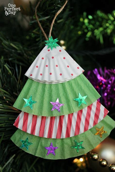easy tree ornaments to make cupcake liner tree ornaments