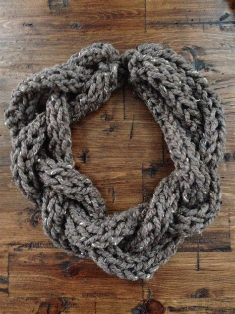 knitting with fingers scarf finger knit scarf so easy and fast to make my style