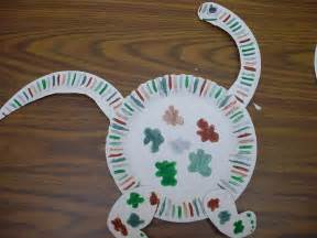 dinosaur crafts ode to the paper plate craft notes from the black lagoon