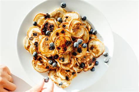 recipe blueberry pancakes my favorite blueberry pancake recipe 183 i am a food i
