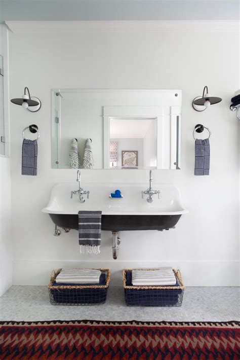 Small Bathroom Ideas by Small Bathroom Ideas On A Budget Hgtv