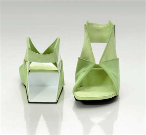 origami shoes folding flat pack footwear ein tritt origami shoes