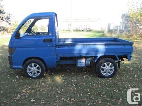 Daihatsu Mini Trucks by Daihatsu Hijet Japanese Mini Truck On Road