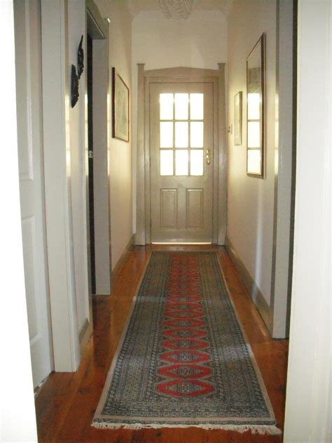 paint colors for narrow hallway best hallway colors best paint colors for school hallways