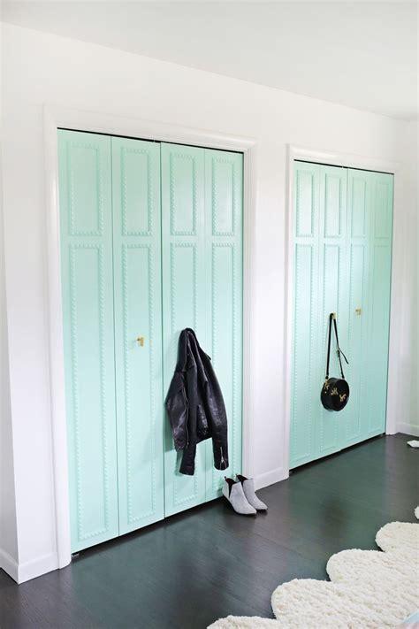 closet doors ideas for bedrooms best 25 closet door makeover ideas on closet
