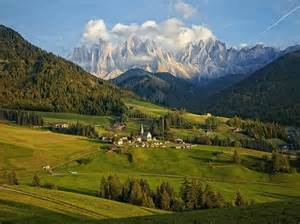 picture of dolomite mountain range italy the amazing pics