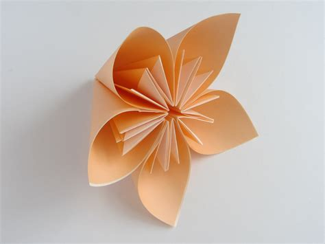 how to make easy origami flowers origami kusudama flower doovi