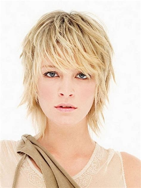 feather cut hairstyle 60 s style feathered haircuts