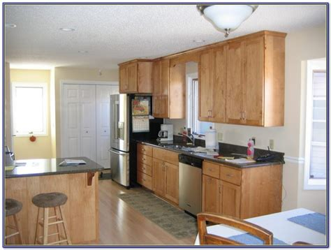 paint color for kitchen with maple cabinets kitchen wall colors with maple cabinets painting