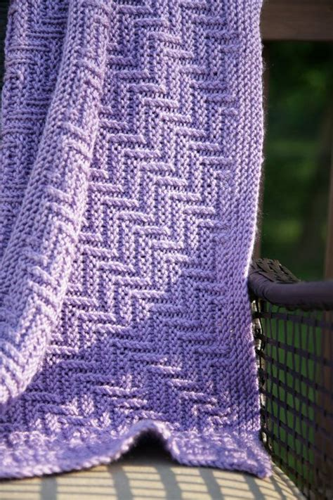 reversible afghan knitting pattern ziggy zaggy reversible baby blanket afghan throw
