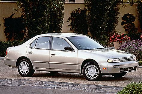 books on how cars work 1993 nissan altima free book repair manuals 1993 97 nissan altima consumer guide auto