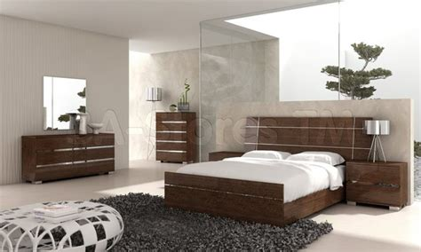 bedroom furniture dreams modern 5 pc bedroom set in walnut bed 2