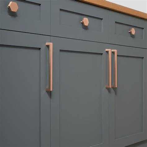 kitchen cabinet bar pulls best 20 cabinet hardware ideas on kitchen