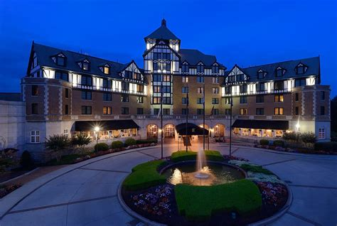 paint nite hton va the hotel roanoke conference center curio collection by