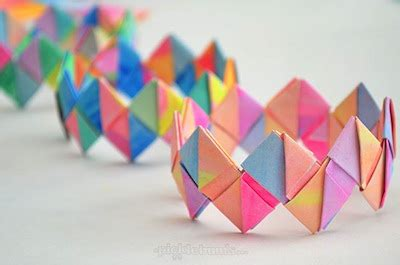 how to make craft things with paper folded paper bracelets diy things to make and do crafts