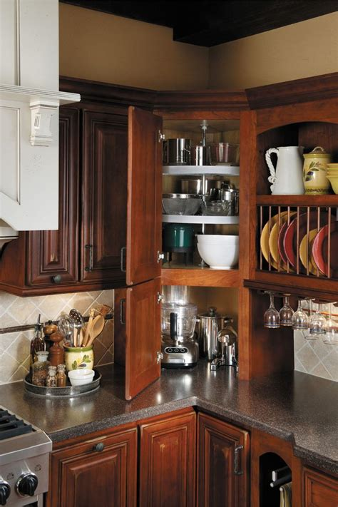 corner cabinets for kitchen 25 best ideas about corner cabinets on corner