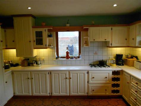 spraying kitchen cabinets kitchen spraying spray painting kitchen cabinets dublin