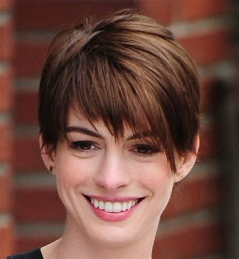 pixie haircuts for triangular faces women s pixie haircuts for your face shape 2018