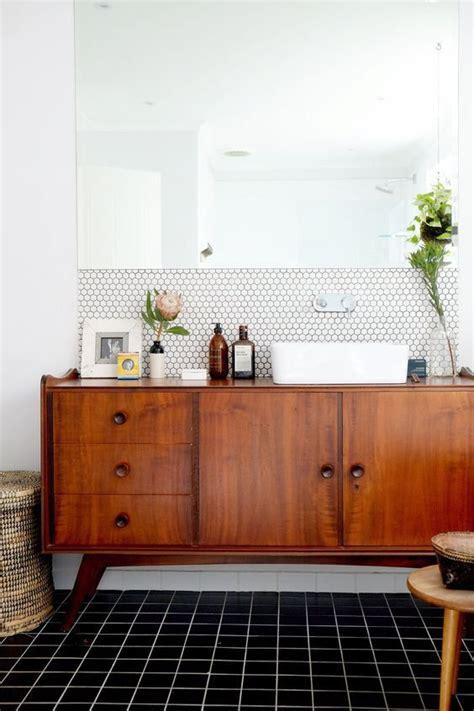 vintage modern bathroom 25 best ideas about mid century bathroom on