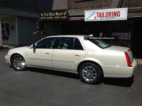 Cadillac 2011 Dts by 2011 Cadillac Dts Premium Collection Base Sedan 4 Door 4 6l