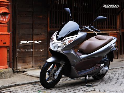 Pcx 2018 Silver by 2018 Honda Pcx 150cc Scooter Review
