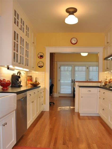 light yellow kitchen cabinets 25 best ideas about pale yellow kitchens on