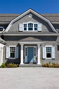 gambrel style homes gambrel style homes with bay windows pictures to pin on