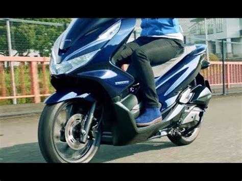 Pcx 2018 Vs Pcx Hybrid by ホンダ新型電動バイク Pcx エレクトリック 2018年発売予定 東京モーターショー速報 Doovi
