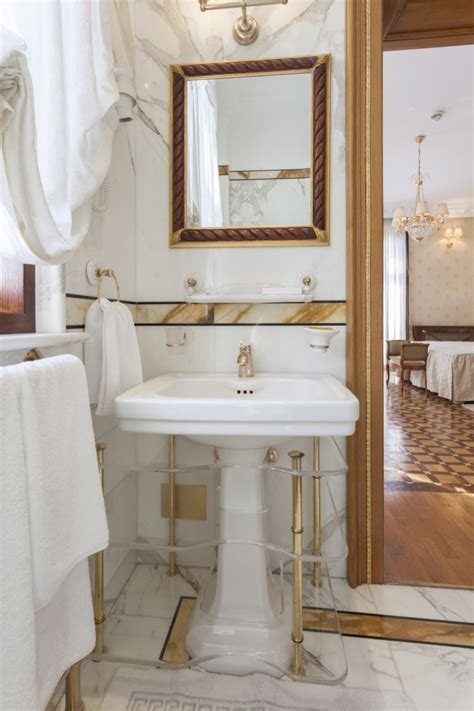 cleaning chrome bathroom fixtures how to clean gold faucets maintaining gold plated