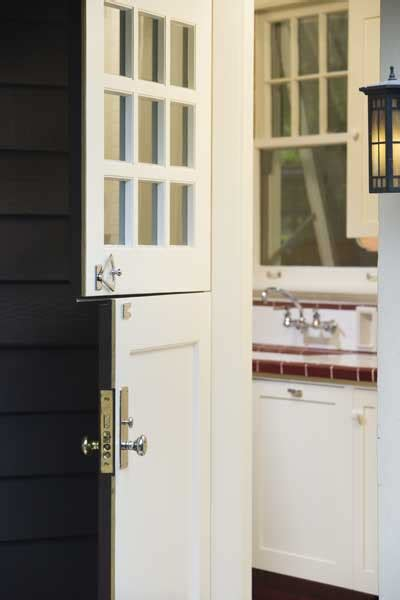 spray painting exterior doors how to spray paint interior doors of a house ehow uk