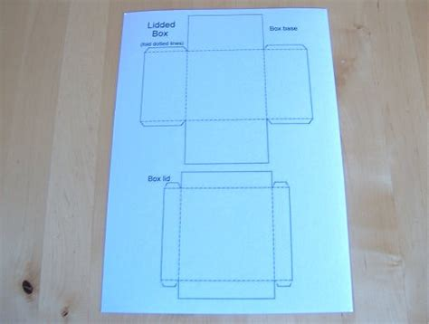 how to make a box out of card things to make and do make and decorate a lidded square box