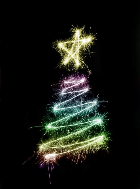 chrsitmas tree photo of sparkling tree free images