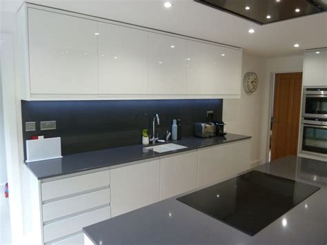 Kitchen Design Hertfordshire white gloss and dove grey kitchen fitted in welwyn