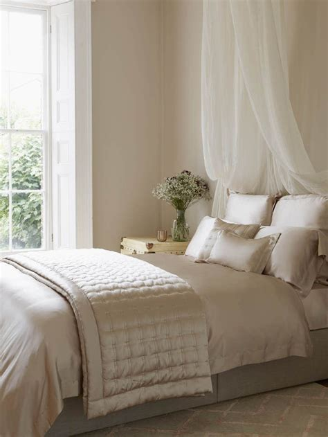no frame bed 25 best ideas about no headboard on