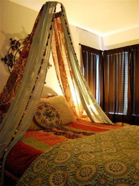 Home Decor Trends 2015 15 creative ways to reuse vintage saris for home decor