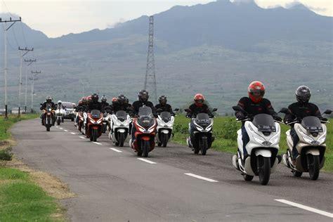 Pcx 2018 Denpasar by Honda Pcx Sukses Jelajahi Flores Hingga Bali