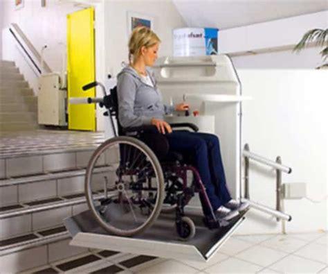 plateforme monte escalier pour fauteuil roulant