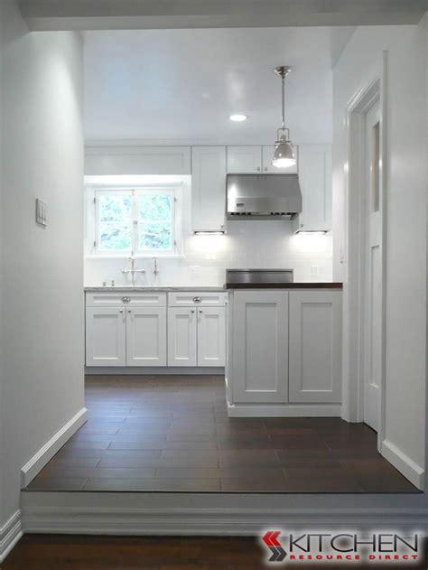 bright white kitchen cabinets bright white kitchen using shaker style cabinets