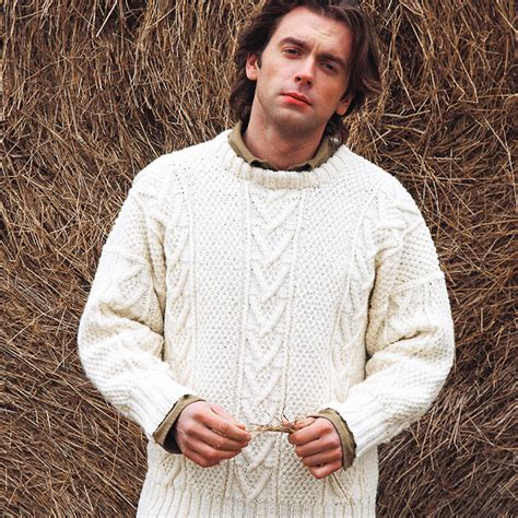 knitting patterns for s jumpers knit a real s classic free aran jumper knitting pattern