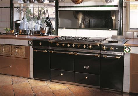 traditional kitchens traditional country kitchen ranges range cookers for traditional kitchens cosy home