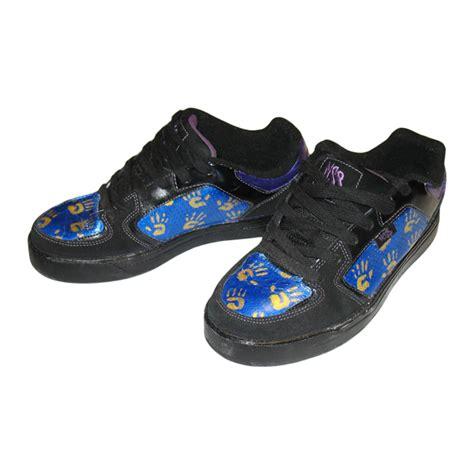 acrylic paint on leather shoes leather painting custom kicks