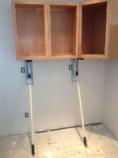 kitchen cabinet installers kitchen cabinet installation tools manicinthecity