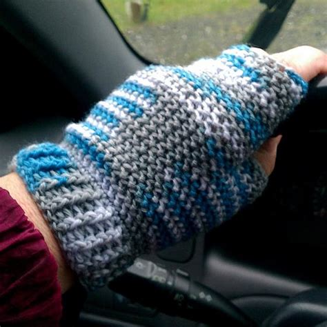 how to knit gloves with fingers for beginners half finger crochet gloves knitting patterns and crochet