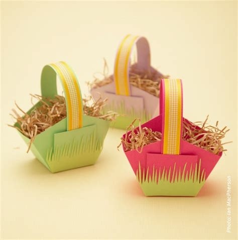 craft paper basket craft chronicles make a paper easter basket easter