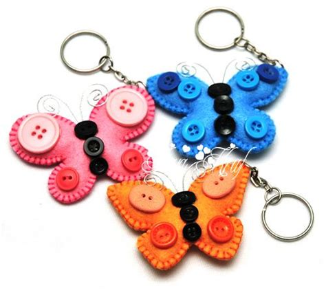keychain crafts for 25 best ideas about felt keychain on feltro