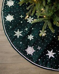 tree skirt with snowflakes 1000 images about tree skirts on