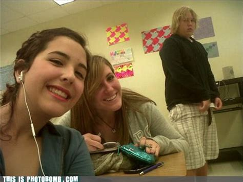 23 epic photobombs