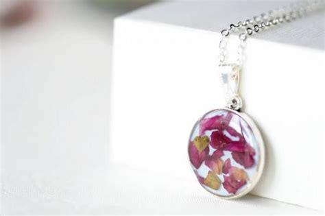 epoxy resin jewelry epoxy resin pendant with petals pendant necklace
