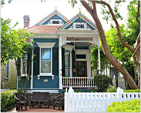 new orleans colorful houses uptown real estate in new orleans