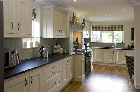 classic painted white shaker kitchen from harvey jones classic painted white shaker kitchen 28 images in